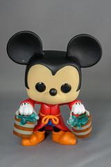 Apprentice Mickey -4917.jpg (Maplebuddy) Tags: funkopop apprenticemickey mickeymouse 426