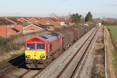 66128 Class 66 (Roger Wasley) Tags: 66128 class 66 dbcargo ashchurch train railways freight uk station