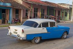 Classic American Car in Calle Real (lezumbalaberenjena) Tags: camajuani camajuaní villas villa clara 2019 lezumbalaberenjena maquina carro american americano almendron yank tank