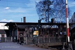 © • Grosskrotzenburg • (M.A.K.photo) Tags: grosskrotzenburg hessen germany deutschland analogfilm analog slidefilm ektachrome kodak kodakfilm dia diapositiv 1967 jahr1967 bahnhof railwaystation scan
