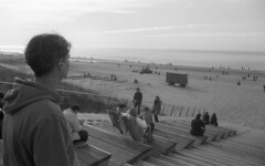 Stratos (Arne Kuilman) Tags: nikon fm3a vivitar 28mm luckyshd iso100 id11 7minutes homedeveloped stock analogue film egmondaanzee strand beach