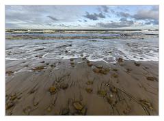 Beach view (bavare51) Tags: strand seegras ostsee wolken brandung