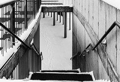 Way down (max tuguese) Tags: black white bianco nero blanc noir noiretblanc blanco negro blancoynegro maxtuguese snow snowy cold winter stairs way debrecen nikon d3400 architecture bw blackwhite columns outdoor outside photographer flickr 35mm