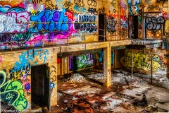 2019-03-13 - ABANDONED BUILDING INSIDE 7-_D85_5294- (Bonnie Forman-Franco) Tags: abandoned abandonedphotography longisland newyork photoladybon photographybywomen nik nikcolection niksoftware hdr aurorahdr2019 nikon nikonphotography nikond850 nikkor2470mm graffiti abandonedbuilding abandonedbuildings