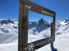 Courchevel Picture Frame (Marc Sayce) Tags: aiguille du fruit courchevel picture frame spring march 2019 mountains snow snowboarding skiing ski resort three valleys trois vallées savoy savoie