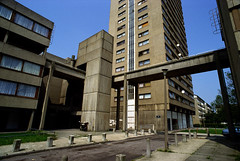 Kingshold Estate Hackney 86-403 (hoffman) Tags: brutalism concrete council dilapidated dilapidation estate flats horizontal housing innercity old outdoors poverty rundown street tenement tower walkway hackney kingshold dredevelopment davidhoffman wwwhoffmanphotoscom london uk