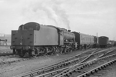 48276 arrives at Hunslet (Garter Blue) Tags: leeds hunslet 1966 steam loco lms br 8f freight goods train film zorki fed bw monochrome