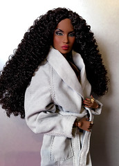 Serenity Divided (doll_enthusiast) Tags: integrity toys it fashion royalty sacred lotus collection serenity vanessa fr fr2 collecting dolls doll photography adele makeda the faces