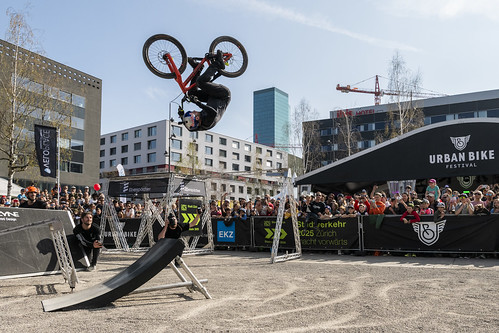 "Danny MacAskill und die Drop 'n Roll Show • <a style=""font-size:0.8em;"" href=""http://www.flickr.com/photos/139183679@N05/40542058713/"" target=""_blank"">View on Flickr</a>"