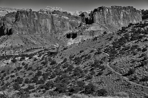 A Nature Trail Hiked and Some Amazing Views (Black & White, Capitol Reef National Park)