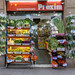 Mediterranes Obst und Gemüse im spanischen Supermarkt