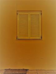 What's lurking behind the shutters and underneath the street hatch? (Ia Löfquist) Tags: crete kreta window fönster shutters fönsterluckor lock lid cap lucka hatch pavement trottoar gömd gomd hidden fotosöndag fotosondag fs190414