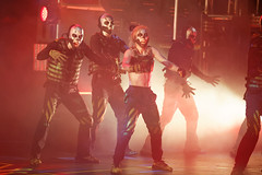 1B5A5296 (invertalon) Tags: acadamy villains dance crew universal studios orlando florida halloween horror nights 2018 hhn hhn18 hhn2018 americas got talent agt canon 5d mark iii high iso 5d3 theater group