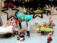 de tudo um pouco (lucia yunes) Tags: rua cenaderua fotografiaderua fotoderua mercado vendedor vendedoresderua mobilephoto mobilephotographie motoz3play luciayunes streetvendor streetphoto streetshot streetmarket streetphotographie street