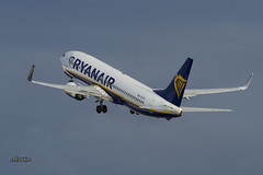 IMG_9457@L6 (Logan-26) Tags: boeing 7378as eiefj msn 37536 ryanair riga international rix evra latvia aleksandrs čubikins fly sky blue