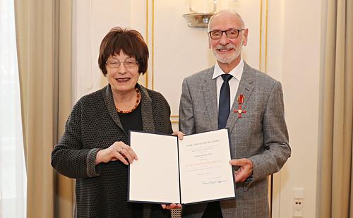 Verdienstkreuz am Bande für Günter Karl Jung
