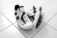 new shoes... (Tony Macrellis) Tags: fi'zik stilllife shoes cleats cycling fizik r1 macrellis blackandwhite tonymacrellis bw fizikr1 fizikr1infinitoroadshoe white whiteshoes riding minimal simple elegance availablelight bathroomfloor