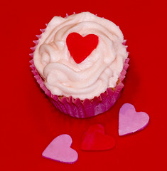 Valentine's cupcake (Gill Stafford) Tags: gillstafford gillys image photograph valentines cake cupcake muffin bun love heart celebration token