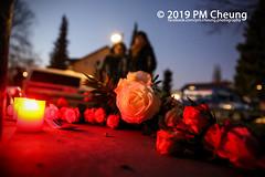 Gedenken an Buraks Geburtstag – Kundgebung zum Gedenken an Burak Bektaş – 14.02.2019 – Berlin – IMG_3434 (PM Cheung) Tags: berlin pmcheungcom gedenkveranstaltung burakbektaş burakunvergessen–aufklärenundgedenken lukeholland gedenken 14022019 mengcheungpo 2019 nationalsozialistischenuntergrundsnsu füreinengedenkortburakbektaş nsukomplexantifa bündnisgegenrassismus nsu wirfordernaufklärung aydinlatilmasinitalepediyoruz pmcheungberlinneuköllnneonazisrudower strasepolizeiinitiative für die aufklärung des mordes an burak bektaşwwwpmcheungcomdemonstrationkundgebungfacebookcompmcheungphotographyneuköllnrassismusmord der rudower strassezum burakist rassismus wieder das motivwer hat ermordetprotest burakwar motivzeynep delibaltaalgorithmus und ähnliche fälle bronzeskulptur protestfotografie