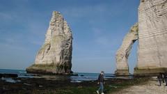 Un dimanche de Février à Etretat (jeanlouisallix) Tags: etretat seine maritime haute normandie france nature paysage landscape falaise estran gréve mer station balnéaire porte aiguille randonnée