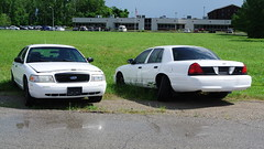 Illinois State Police (Emergency_Spotter) Tags: ford crown victoria police interceptor cvpi illinois state isp st louis trooper decomissioned abandoned steelies rwd district 11