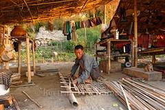 Au bord de l'Irrawaddy (Ayeyarwady), Mandalay (Bertrand de Camaret) Tags: mandalay birmanie myanmar homme man bertranddecamaret bambou burma