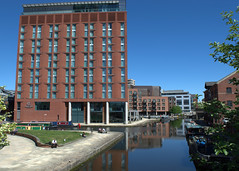 DoubleTree by Hilton Hotel Leeds City Centre (Tony Worrall) Tags: leeds city urban outdoors architecture building river wet water yorkshire yorks apartments homes new design doubletree hotel stay rooms holiday north update place location uk england visit area attraction open stream tour country item greatbritain britain english british gb capture buy stock sell sale outside caught photo shoot shot picture captured ilobsterit instragram tall architecturalphotography