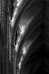 Lux naturalis (Phil5135) Tags: cathédrale metz monochrome blackwhite noiretblanc architecture vitrail arcade