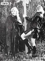 nb-MacKintosHMagaZinE1_f2 (rainand69) Tags: cape umhang cloak pèlerine pelerin peleryna regenumhang