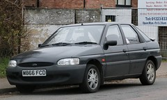 M866 FCD (1) (Nivek.Old.Gold) Tags: 1995 ford escort 16 16v mexico 5door