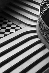 Escalier-1 (7red) Tags: stairs palais compiègne escalier nb noiretblanc blackandwhite bw monochrome