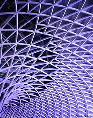 """""""L'architettura è musica nello spazio, una sorta di musica congelata"""" -Friedrich Schelling- Ph: Marzia Vallarino (mimmi.valla5) Tags: london urban arup geometrie strutture griglia acciaio architecture architettura"""