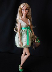 Summer found a little green in the wardrobe for St. Patrick's Day. (ksavoie1213) Tags: summeroflove poppyparker psychadollic ifdc souvenir doll dolls integritytoys fashionroyalty believeinmepoppyparker fashiondolls convention blonds