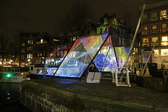 Korte Prinsengracht - Amsterdam (Netherlands) (Meteorry) Tags: europe nederland netherlands holland paysbas noordholland amsterdam centrum centre center amsterdamlightfestival alf light lumière illumination evening soir night nuit art kunst winter hiver january 2019 meteorry korteprinsengracht eenhoornsluis canal facade lightbeams rederijtsmidtje vondel citytender stefanreiss ot976 colors beams