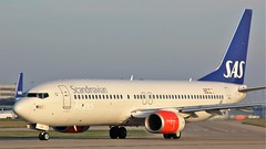 LN-RGG (AnDyMHoLdEn) Tags: sas scandinavian 737 staralliance egcc airport manchester manchesterairport 23l