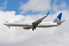 United Airlines Boeing 737-900ER N37422 (jbp274) Tags: airport airplanes las klas mccarran boeing 737 unitedairlines united ua