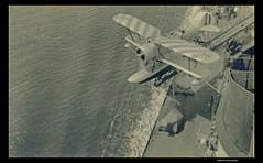 Lancio di un Ro 43 dall'Incrociatore Bolzano (t.libra) Tags: italy 1936 regiamarina aereo aeroplano airplane flugzeug aircraft luftfahrzeug