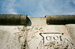 The Berlin Wall (iampaulrus) Tags: berlin germany mjuii olympusmjuii lomography portra kodak film filmphotography analog analogue 35mm 35mmfilmphotography film35mm