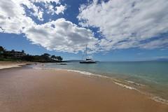 Kihei beach (gsmper) Tags: hawaii maui kihei beach water sand sky cloud boat waves sunlight sony sigma art mc11 seascape landscape