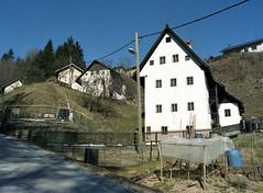 Miner's house (Ernst-Jan de Vries) Tags: idrija miner minershouse house building expired 120 portra400vc porta 400vc kodak film analogue analog analoog middenformaat mittelformat mediumformat 6x45 645 mamiya 45mm mf slovenija slovenië slovenia slovenien
