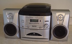 Durabrand CD2160 5 CD Home Stereo System Silver (Miguel A Ledezma) Tags: durabrand cd stereo amfm cd2160 5 home system silver