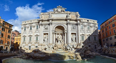 Fontana di Trevi (Ruben Alvarez Bediaga) Tags: fontana trevi roma fountain di fontanaditrevi rome italia italy monument nikon panorama cityscape