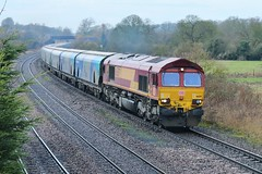 Back for Another Bio-Load (JohnGreyTurner) Tags: br rail uk railway train transport freight newbarnetby barnetby lincolnshire lincs diesel engine locomotive 66 class66 shed hoppers biomass