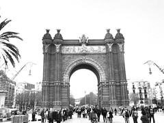Arc De triomf - Barcelona (barrymoran@hotmail.co.uk) Tags: lifestyle outt walking photography barcelona arcdetriomf