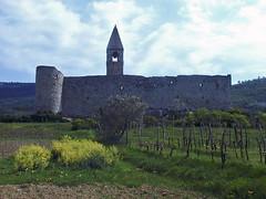 Hrastovlje (Vid Pogacnik) Tags: slovenia slovenija istra istria hrastovlje church fortifiedchurch tabor