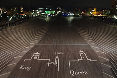 King, Queen, Jack. Yokohama, Japan (runslikethewind83) Tags: king queen jack osanbashi yokohama kanagawa japan asia structure pentax night sign asiatico 일본