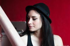 Caro (BenoitGEETS-Photography) Tags: caro caroline d610 mons nikon younglady nikonpassion rouge rod red rood chapeau hat