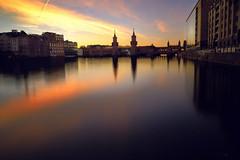 (Fernando Crego) Tags: puentedeoberbaum oberbaumbrücke puente bridge sunset atardecer anochecer spree river rio xt2 fujifilm 16mm berlin berlinmitte germany alemania