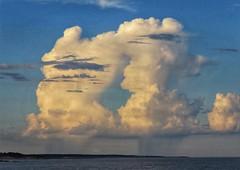 Cielos extraños (carlos_ar2000) Tags: cielo sky nube cloud tormenta storm mar sea playa beach naturaleza nature puntadeldiablo rocha uruguay