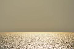 "Sea of Gold (cam-pics) Tags: thailand ""koh chang"" sea meer horizont horizon seascape minimal gold golden sun sundown dusk sonnenuntergang sunset"